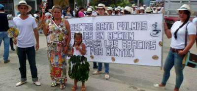 """Recientemente, con un desfile y actividades se cumplió en el municipio de Bolívar la asamblea del programa """"Más Familias en Acción""""."""