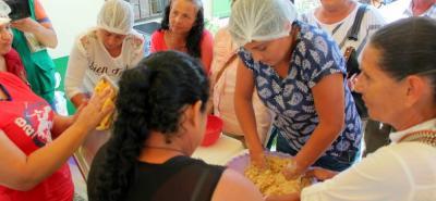 """En Güepsa se cumplió el """"Día de campo panelero"""", en donde asistieron diferentes entidades y se presentaron varios productos elaborados a base de panela."""
