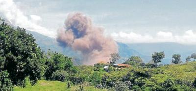 Esta es la fumarola que apareció en la vereda San Pascual, de Simacota, tras la explosión. Los vecinos del lugar aseguraron que se podía sentir un fuerte olor a azufre. Las autoridades hicieron un inventario de las afectaciones en viviendas y en cinco hectáreas de cultivos.