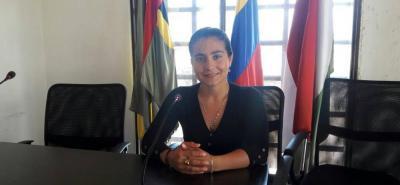 La concejal Caterine Fernanda Camacho Velasco fue la ponente del proyecto 016 que dio facultades a la alcaldesa Deyanira Ardila, para el cambio de uso de suelo a un predio para un proyecto de vivienda.