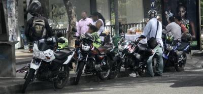 ¿Cómo reaccionó el transporte de Bucaramanga al anuncio de sancionar a pasajeros de 'piratas'?