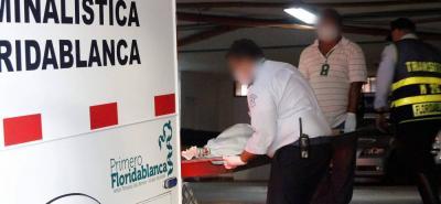 La diligencia de levantamiento del cadáver de la mujer se cumplió en la Clínica Carlos Ardila Lülle, en Floridablanca.