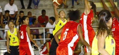 El partido final del torneo femenino del Nacional Infantil Interligas entre Santander A y Valle, fue emotivo e intensamente disputado, y terminó con victoria del segundo por 44-39.