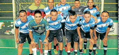 Este es el grupo de jugadores que conformaron el equipo del Combo de Melgarejo, que se coronó campeón del Torneo Mil Ciudades de Microfútbol en Bucaramanga.