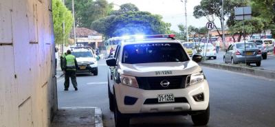 El asalto se registró debajo de este puente vehícular, en el sector del barrio La Pedregosa. Pese al operativo que la Policía dispuso para dar con el paradero de los delincuentes, no se produjeron capturas.