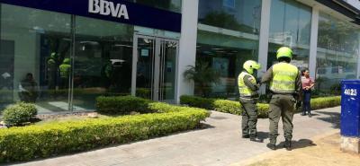 Dos hombres roban banco en Bucaramanga