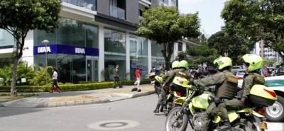 Un gigantesco operativo lanzó la Policía Metropolitana de Bucaramanga, con el objetivo de dar con el paradero de los atracadores.
