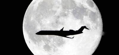 Vea en cuántos años los turistas espaciales podrán sobrevolar la luna