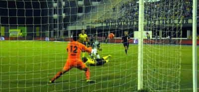 En el minuto 32, Aldo Leao Ramírez anotó el tercer tanto de Atlético Nacional, en la victoria 5-1 del 'verde paisa' sobre Alianza Petrolera, en un compromiso correspondiente a la novena fecha de la Liga Águila I, que se disputó en el estadio Daniel Villa Zapata de Barrancabermeja.