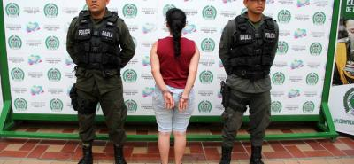 Un juez le dictó medida de aseguramiento intramural a la mujer de 20 años, por el delito de extorsión.