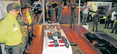 Los resultados de las operaciones militares en el sur de Bolívar muestran a dos guerrilleros detenidos, uno muerto en combate y la incautación de material de guerra e intendencia.