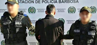 El capturado fue dejado a disposición de la Fiscalía. Deberá responder por extorsión, secuestro simple y hurto calificado y agravado.