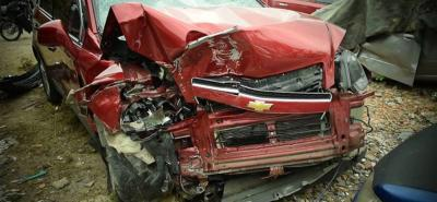 El automotor quedó fuera de la vía y debido al fuerte golpe fue declarado pérdida total.