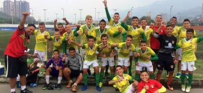 Con dos victorias y un empate, la Selección Santander se clasificó ayer para las semifinales del Torneo Nacional Infantil de Fútbol y mañana se jugará el paso a la gran final nacional.