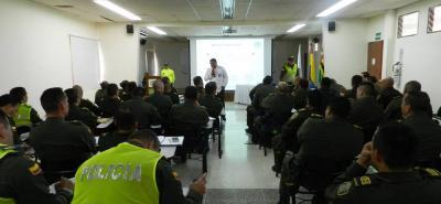 Aspecto de la capacitación a la que asistieron 50 comandantes de estaciones de policía en la ciudad del Socorro.