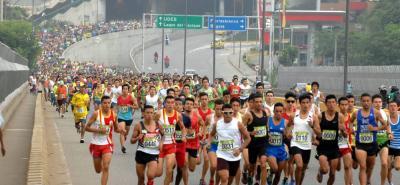 Una vez más el atletismo se tomará a Bucaramanga, en esta ocasión con la edición 27 de la Carrera Atlética de la UIS, tradicional competencia que tiene siete categorías en acción. La prueba iniciará a las 8:30 a.m. desde el estadio de La Flora e irá hasta la sede de la UIS.