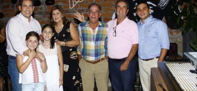 Mauricio Higuera, Alejandra Higuera, Sofía Higuera, Marcela Ardila, Gonzalo Callejas, Luis Eduardo Ordoñez y Oscar Butrón.