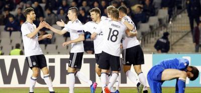 Alemania consolidó el primer puesto del Grupo C de las eliminatorias europeas al Mundial de Rusia-2018, tras vencer con facilidad en Bakú a Azerbaiyán por 4-1.
