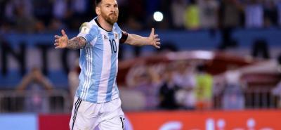 Lionel Messi, autor del gol en la victoria de Argentina la semana pasada 1-0 contra Chile, estará acompañado en el ataque para el duelo con Bolivia por Lucas Pratto. La Albiceleste necesita una victoria que le permita respirar tranquila en las Eliminatorias Sudamericanas al Mundial 2018.