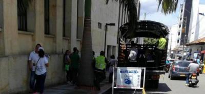Hasta que no se hagan las debidas reparaciones en los calabozos del Centro de Servicios Judiciales, los indiciados deberán esperar a su audiencia sobre un furgón en las afueras del Palacio.