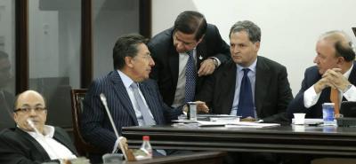 Gran resistencia en el Congreso ha generado el proyecto de ley presentado por el fiscal Néstor Humberto Martínez, en el que se propone crear la figura de Fiscal ad hoc.