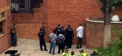 Hallan cadáver en hueco aledaño al Colegio La Merced de Bucaramanga