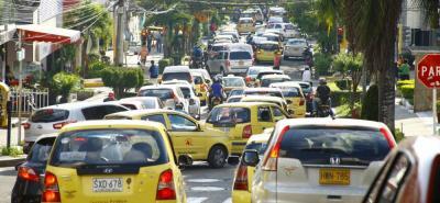 """Las congestiones vehiculares en Bucaramanga se han convertido en el """"pan diario""""."""