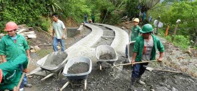 En el municipio del Guacamayo se construirán varias calles y en otros sectores placas huellas.
