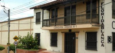 Las curadurías urbanas se encargan de tramitar y expedir licencias de urbanismo o de construcción para adelantar proyectos urbanísticos en un municipio o distrito.
