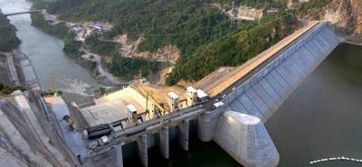 Pese a la temporada invernal, comunidades aguas abajo de la presa Latora no han sufrido inundaciones.