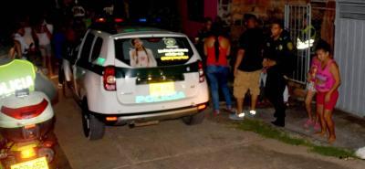 La persecución de la Policía llegó hasta el barrio Villarelyz, donde los delincuentes no solo abandonaron la moto en la que se movilizaban sino que tiraron al lado de un caño el revólver utilizado para disparar contra Nayron Antonio Rodríguez Robles.