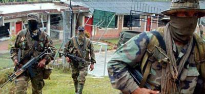Denuncian que  paramilitares ofrecen hasta $10 millones para reclutar a miembros de las Farc