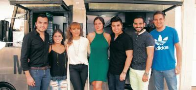 Esteban Téllez, Daniela Dukón, Andrea Leiva, Silvia Becerra, Sergio Serrano, Julián Díaz y Isaac Carvajal..