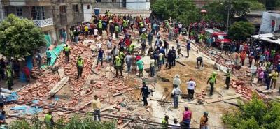 Organismos trabajan en el rescate de los obreros.