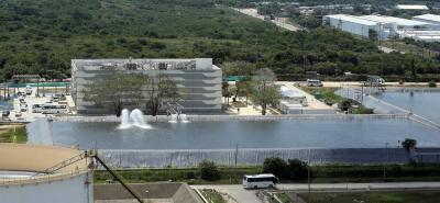En el 2009, después de que Glencore se retiró de la sociedad Reficar, Ecopetrol adquirió el 100 % de la participación accionaria de la Refinería.