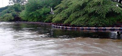 Emergencia por mancha de crudo de Ecopetrol que recorre el río Magdalena en Santander