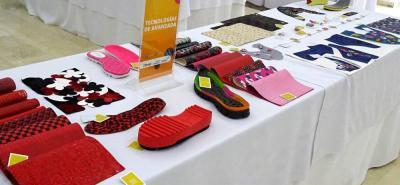 La muestra, que está disponible hasta hoy, incluye insumos como materiales, textiles, herrajes, diseños, entre otros.