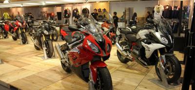 Según la DIAN, a febrero de 2017 las motocicletas ensambladas en Colombia participaron con el 94 % del total del mercado, mientras las motocicletas importadas representaron 6 % .
