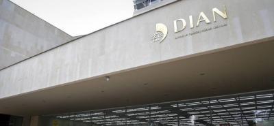 Por evasión de impuestos, Santander le adeuda $84.000 millones a la Dian