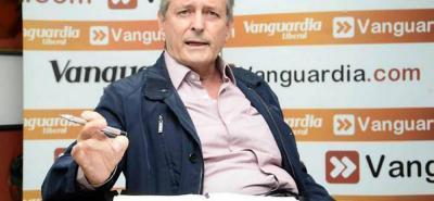 El excandidato a la Gobernación Leonidas Gómez devolverá hoy su distinción Luis Carlos Galán que le había entregado la Asamblea departamental en el 2010.