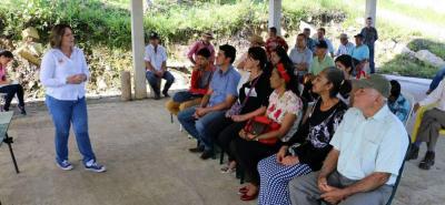 Las comunidades de La Cuchilla y La Cabaña se informaron sobre el proyecto 'Vereda Modelo' de la Gobernación.