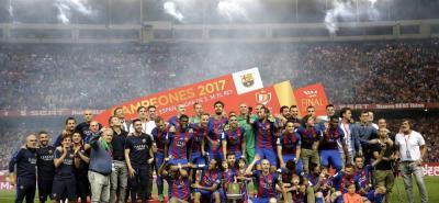 Barcelona derrotó 3-1 al Alavés en la final de la Copa del Rey jugada ayer en el Vicenten Calderón y ajustó su título 29 en este torneo, triunfo que lo convirtió en el rival del Real Madrid en la Supercopa.