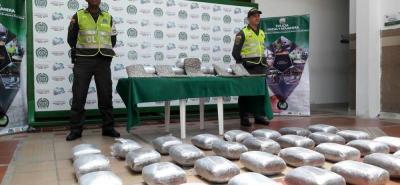 Las 21 mil dosis de marihuana cripy serían comercializadas en varios puntos del área metropolitana de Bucaramanga. Las autoridades investigan a la red delincuencial que estaría detrás de estos envíos de droga.