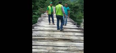 En el recorrido del pasado miércoles que hicieron personal de la Cdmb y funcionarios de la Alcaldía de Lebrija y Rionegro, se constató el estado de deterioro de las estructuras sobre el río Lebrija.