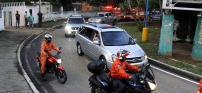 Una multitudinaria caravana acompañó el féretro de Katherine Escalante Castilla en su salida del Instituto Colombiano de Medicina Legal.