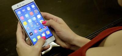 Colombianos prefieren mensajería instantánea que llamadas