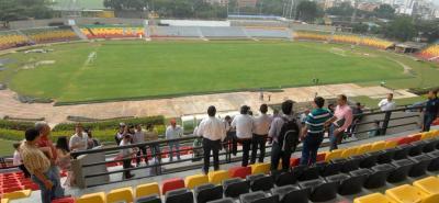Ayer se visitaron los escenarios deportivos de Bucaramanga que debían ser reforzados estructuralmente, entre ellos el estadio Alfonso López, y se espera que a comienzos del próximo mes sean entregados.