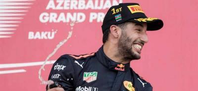 Ricciardo ganó en el caos de Baku y Alonso puntuó por primera vez este año
