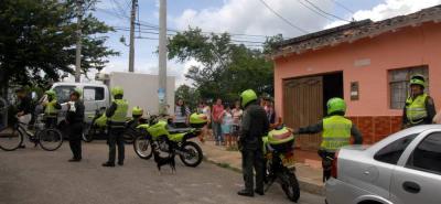 Tras conocerse el ataque, la Policía desplegó un operativo especial en el barrio La Joya para dar con la captura del agresor.