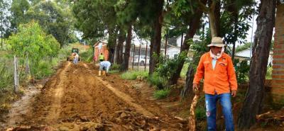 En total se pavimentarán 1.300 metros desde la vía que conduce al teleférico de Panachi hasta la escuela El Tabacal.